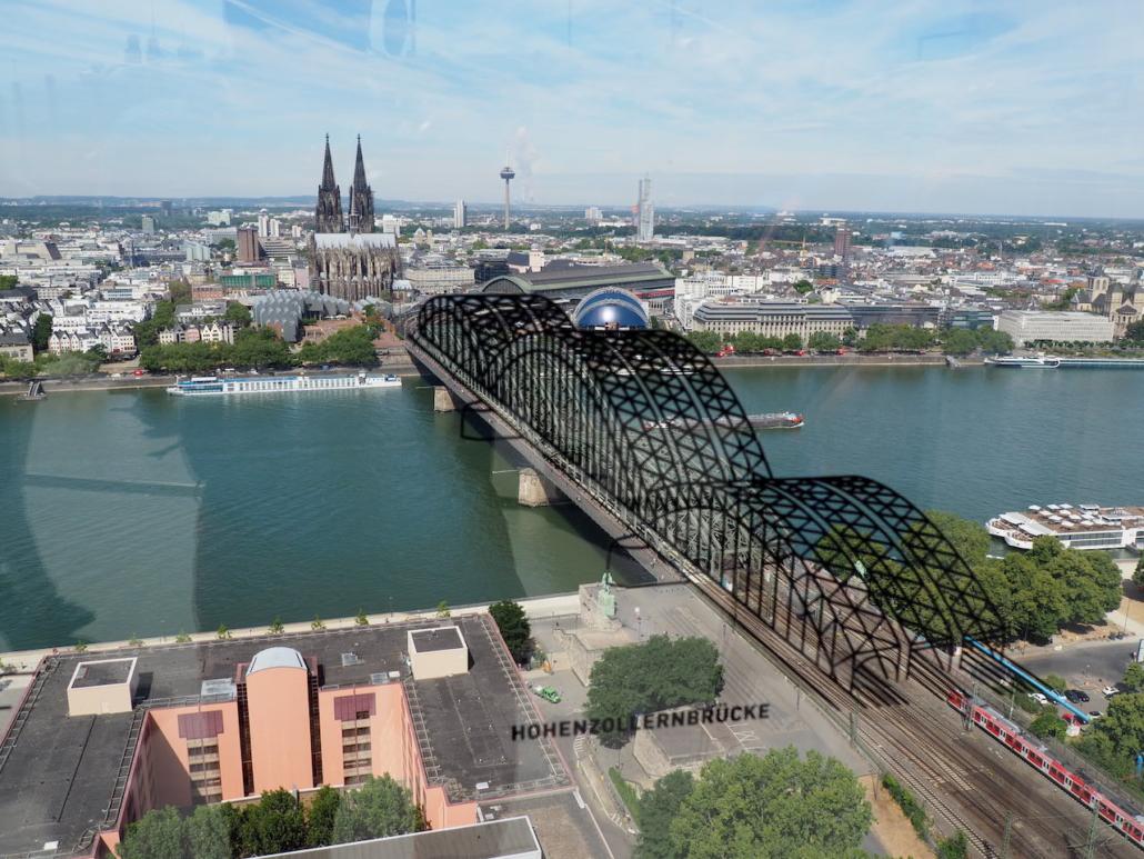 Dom und die Brücke von oben