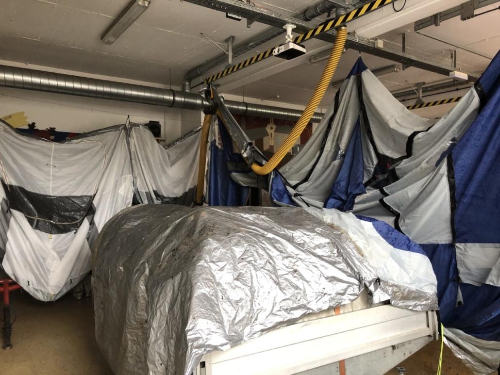 Das Zelt der Familie Beck wurde noch im Feuerwehrhaus zum trocknen aufgehängt